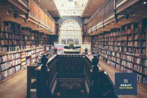 büyük bir kütüphane